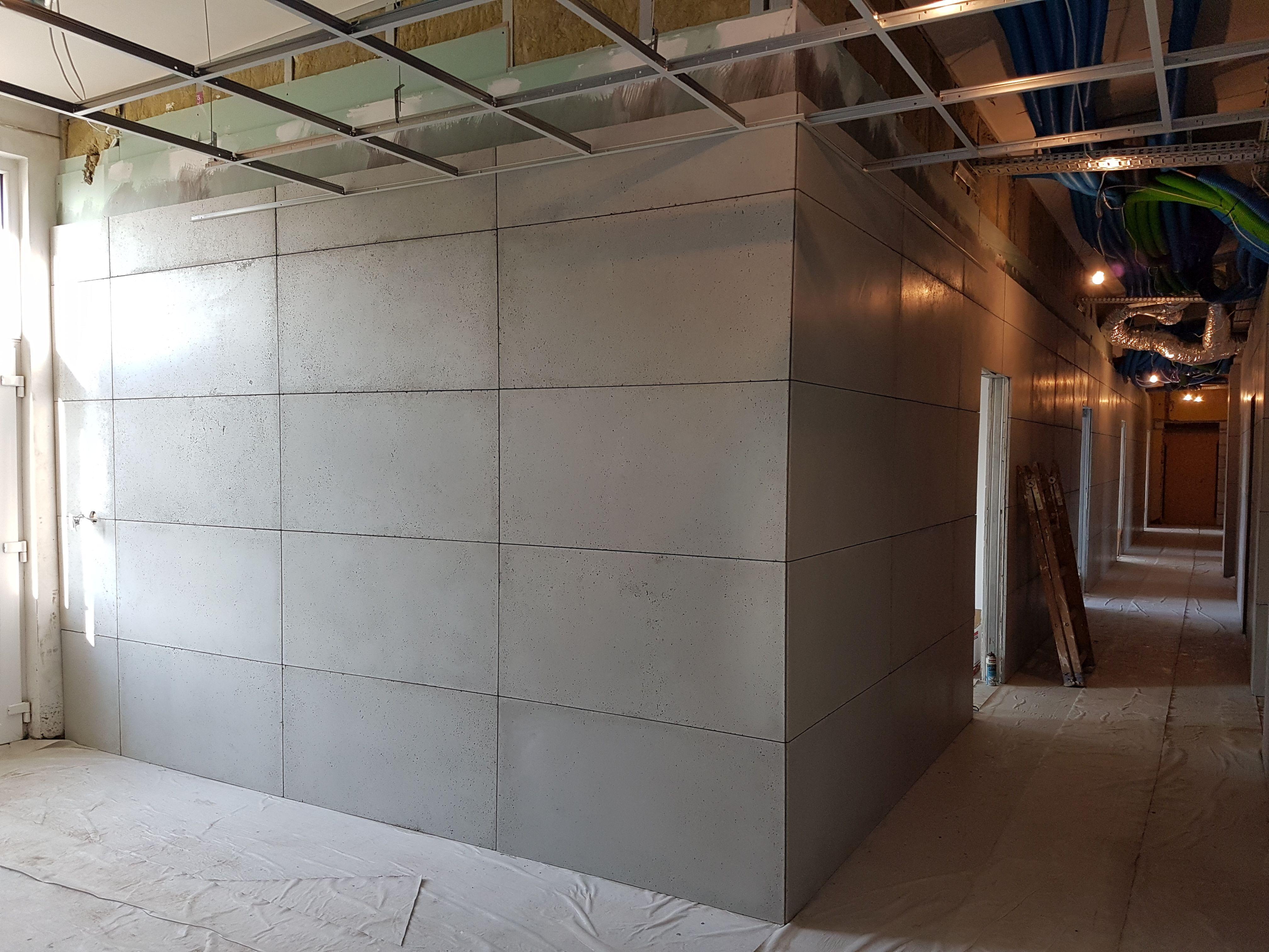 Montaż płyt – beton architektoniczny (2)